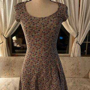 Dresses & Skirts - Floral spring dress